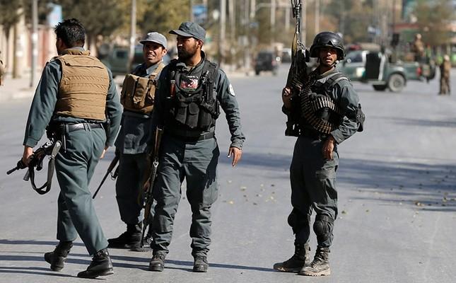 پلیس کابل از بازداشت سرگروه تبهکاران در شهر کابل خبر میدهد