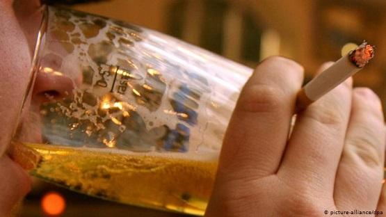 مصرف سیگار و الکل مغز را زوتر پیر می کند