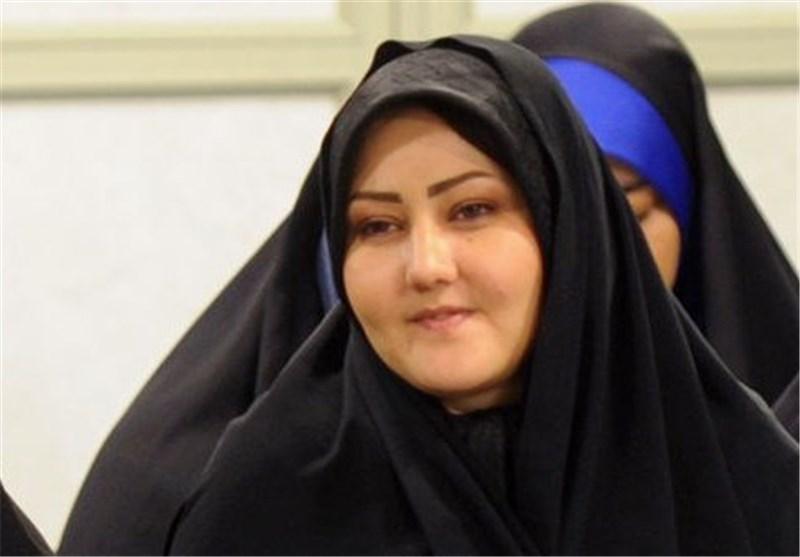 سروده شاعر افغانستانی| چه باک، صحن و سرایت اگر قرنطینه است / که عهد ما و هوای تو عهد دیرینه است