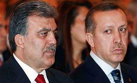 عبداله گل یا اردوغان؛ کدام یک پیروز میشوند؟