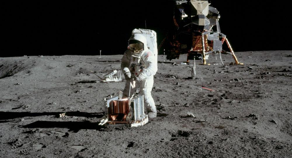 قصد آمریکا برای استخراج منابع در کره ماه