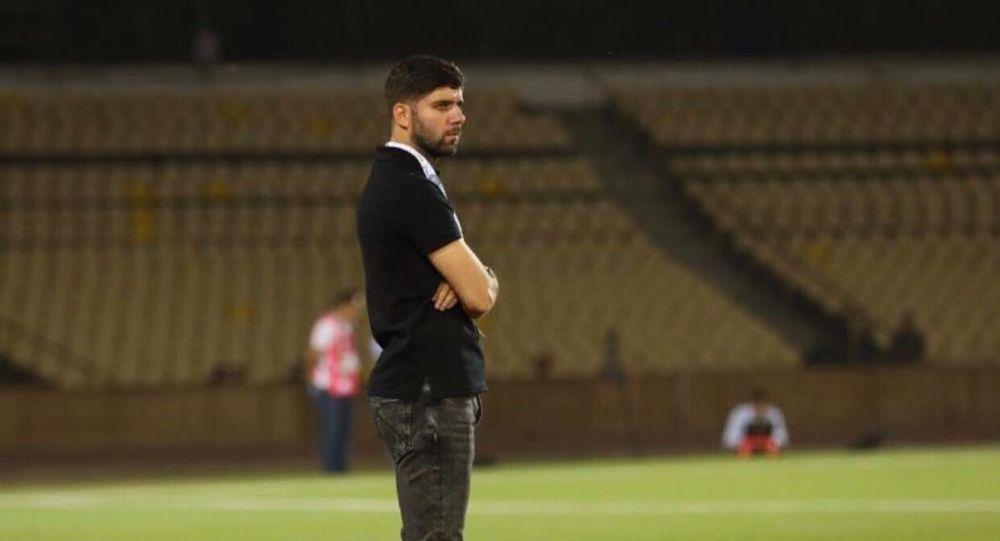 سرمربی تیم ملی فوتبال با حادثه دیده گان حملات اخیر ابراز همدردی کرد