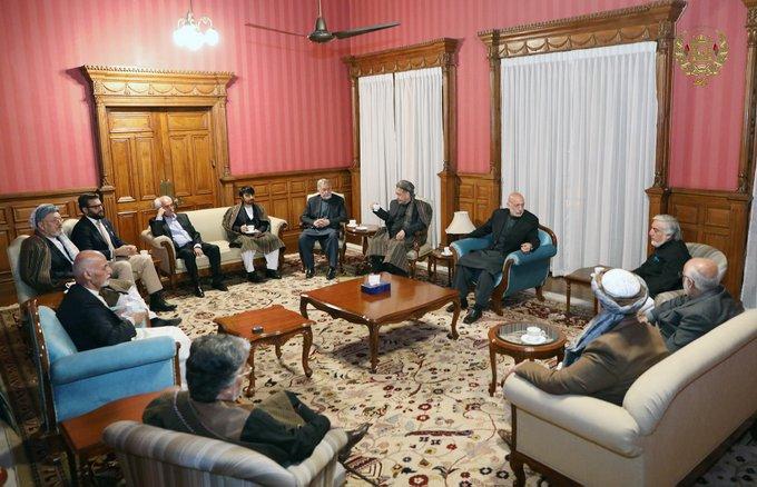 نشست مشترک غنی و عبدالله با سیاسیون افغانستان