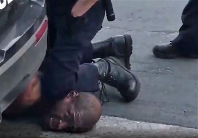 ابعاد جدید از قتل مرد سیاهپوست/ وقتی پلیس آمریکا توجهی به التماسهای «جورج فلوید» نمیکند