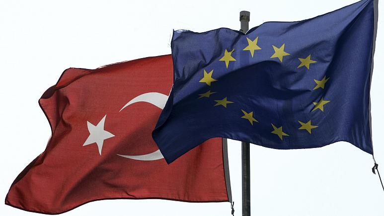 مناقشه ترکیه و اتحادیه اروپا؛ تهدید به اعمال تحریم علیه آنکارا جدیتر شد