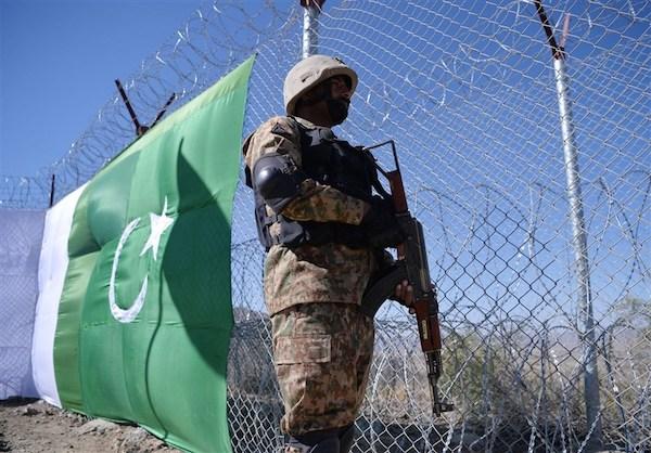 مخالفتهای افغانستان تاثیری نداشت/ حصارکشی «خط دیورند» بهزودی تکمیل میشود